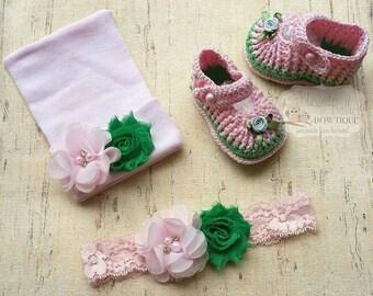 Easter Crochet shoes set - baby girl gift set - newborn girl hat set  - newborn photo prop- baby crochet shoes- pink crochet shoes set