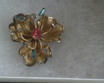 Lovely flower pin