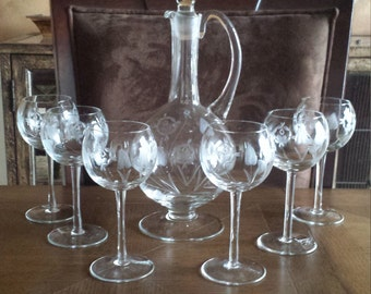 Decanter and 6 wine glasses Set