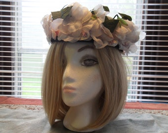 Vintage Womans White Pillbox Hat with Pink Ribbon White Flowers Green Leaves 1950's