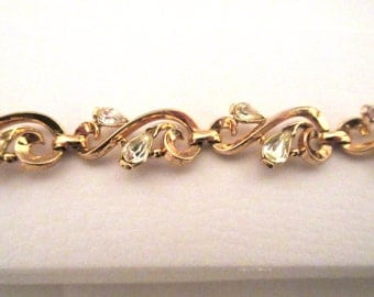 Vintage Trifari Crown bracelet, Clear rhinestones, Pear tear drop goldtone ladies costume jewelry