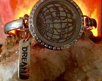 Metal Floating Locket Bangle Bracelet The World Dream