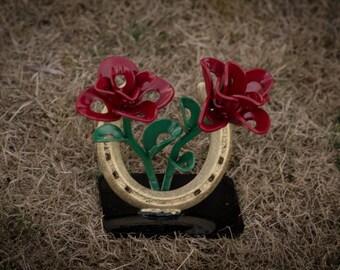 Double Rose w/Horseshoe