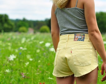 LEVIS 501 SHORTS pastel yellow