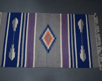 HandMade Cut shuttle rug