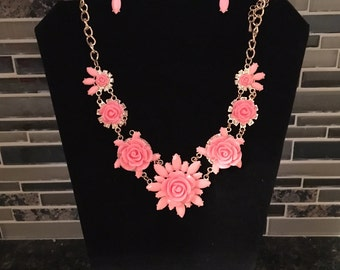 Pink Rose Bead Necklace