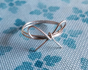 Simple Wire Bow Ring