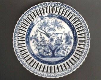 WL 1895 Pierced Blue & White Decorative Plate