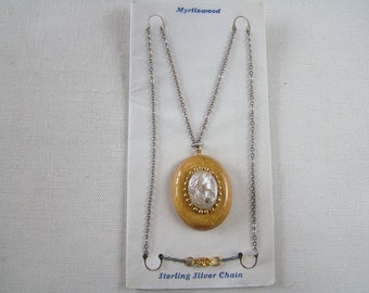 Vintage 1930s Myrtlewood CAMEO thermo plastic Necklace