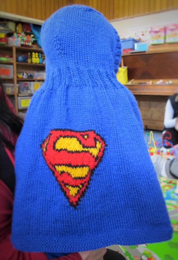 Knitting pattern for Superman / Supergirl Hooded Cape from tiffanysknitting o...