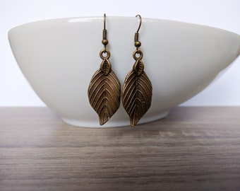 Earrings leaf bronze
