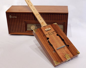Fretless cigar box guitar