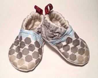 Baby booties // Crib Shoes // Geometric