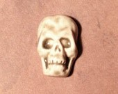 Porcelain Skull Face Cabochon in Pale Flesh