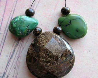 Faceted Bronzite Focal with Green Turquoise Teardrops Bead Set no.1 - set of 3 pieces
