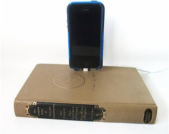 IPhone 5 or 6 Docking Charger, William Shakespeare IPod Dock Charging Station