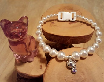 Princess Pearl white Swarovski graduated size Kitty Cat Collar complete with breakaway safety buckle bell and tag ring with crystal charm