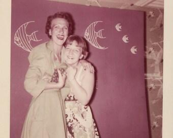 Vintage photo 1955 Vernacular Snapshot Color Square Fish Theme Kodacolor Ladies