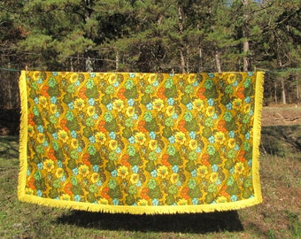 Flower Power Retro Vintage Tablecloth Cottage Bungalow Mid Century Modern Sewing Supplies