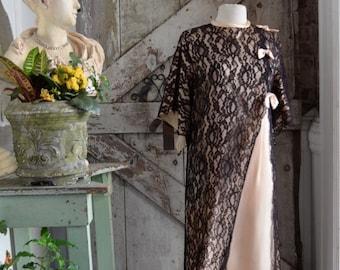 Fall sale 1960s dress maxi dress 60s dressing gown lace illusion kaftan dress size medium Vintage lounge wear muu muu