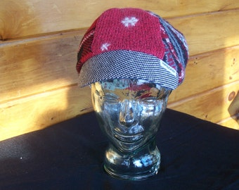 Sweater newsboy cap red and black