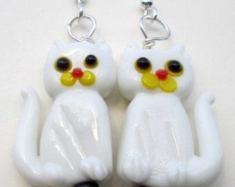 Cat Pierced Earrings white kitty cat glass lamp work pierced dangle hand made earrings