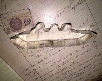 Old Metal Ship Cookie Cutter
