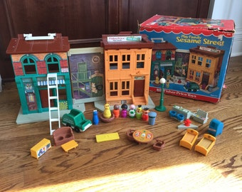 Fisher Price Little People Sesame Street Set complete with box