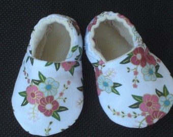 Soft Sole Baby Shoes, Baby Girl, Pink, Baby Shower, Flowers, Baby Slippers, Booties