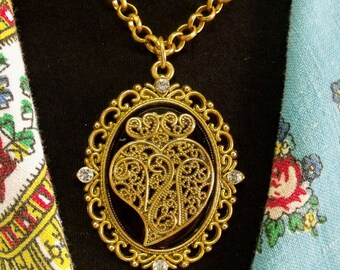 Portugal lacy Heart of Viana necklace filigree medallion