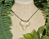 Shark Tooth Acacia Necklace in Gold-Filled
