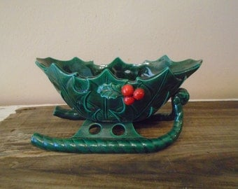 Beautiful green Lefton Christmas sleigh planter with red holly berries, sticker present vintage 1970s