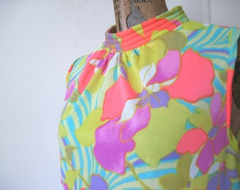 psychedelic 60s shift dress - MOD Summer florals, vintage FLOWER POWER Sun Dress - size small to medium