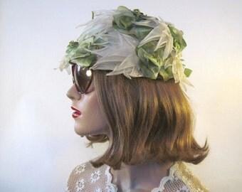 vintage 1960s garden party cloche hat - green + white leaf + foliage - organza + velvet