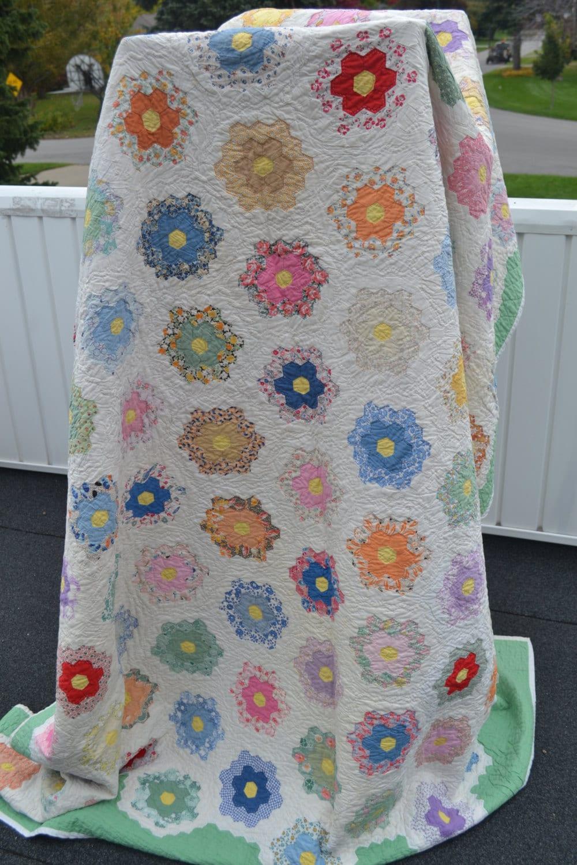 Vintage 1930s quilt grandmother 39 s flower garden quilt - Grandmother s flower garden quilt ...