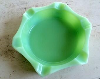 Jadeite Green Glass Ashtray 1930's Ash Tray