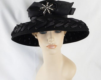 Vintage 90s Black Felt Wide Brim Hat with Rhinestone Brooch Sz 23