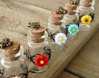 5 Assorted Fancy Floral Glass Wishing Bottles Jars with Antique Brass Design Cork Flowers Daisy Pendant Charms Keepsake Necklace 45 x 22mm