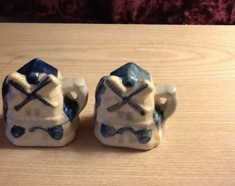 Windmill Salt & Peppe Shakers Made in Occupied Japan