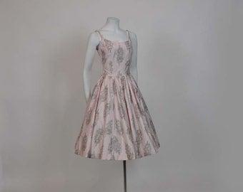 50s dress / Vintage 1950's Novelty Musical Print Full Skirt Dress Sundress