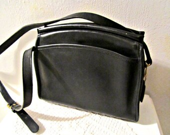 COACH Leather Bag Black leather shoulder purse Cross body