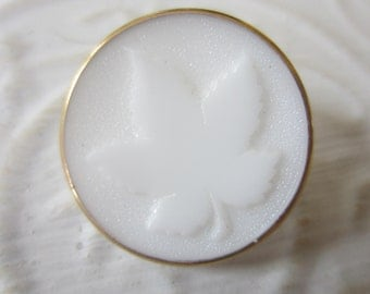 Vintage button, 1 large milk glass white large glass pressed maple leaf with gold hand painting, very sweet, (apr439b)