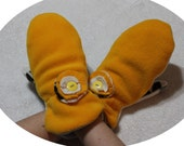 Yellow cream handmade mittens,mittens re/made with fllece items,O/S mittens,winter,women,teens,flower decoration,one size