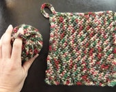 Crochet Tawashi Kitchen Dish-washing Wash Cloth or potholder and scrubby 2 pack with loops Christmas holiday colors green red tan brown