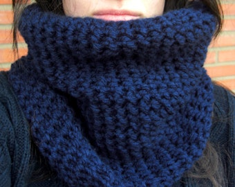 Navy Blue Yarn Cowl, Navy Blue knitted Scarf, Dark Blue Crocheted Cowl, Chunky Cowl, Navy Neckwarmer, Infinity Cowl, Men Scarf, Woman Cowl.