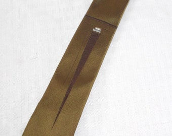 1960s Vintage Silk Olive Green Necktie with MCM Design from Le Clair Detroit