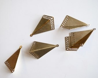 10 pcs raw brass bent triangle charm with little triangle holes 22 x 34mm (large size)