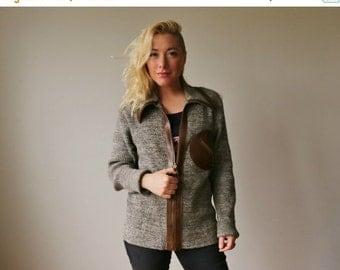 ON SALE 1960s Revere Boyfriend Sweater~Size Medium to Large