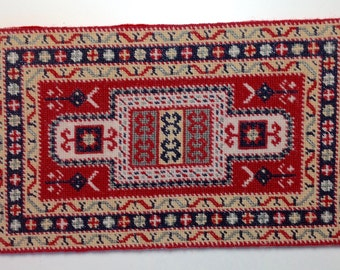 Dollhouse Miniature Hand Stitched Area Rug in Appleton Wool