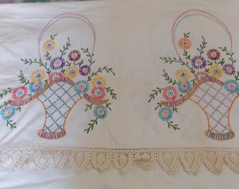 Vintage hand embroidered crocheted trim ivory bed sheet tablecloth coverlet